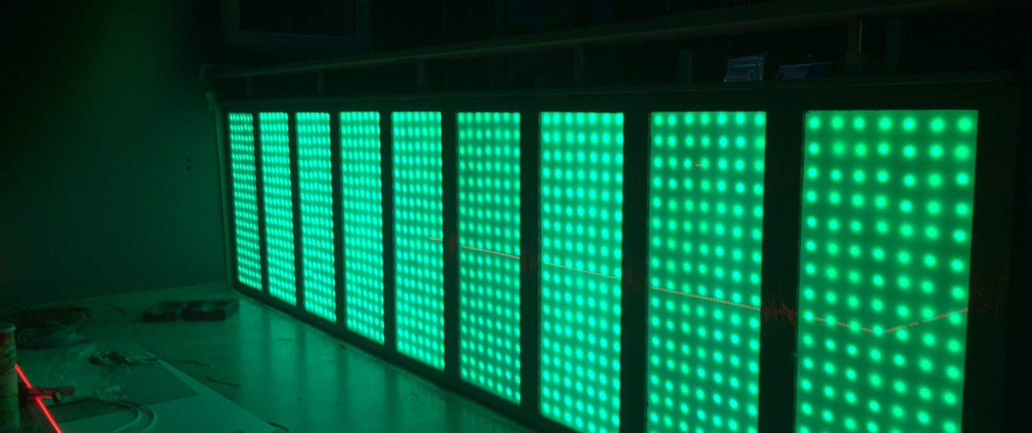 blinkende-lichter led bar in gruen