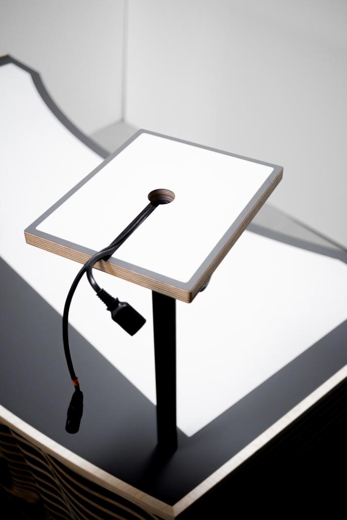 blinkende-lichter soundwave dj table verkabelung boxen